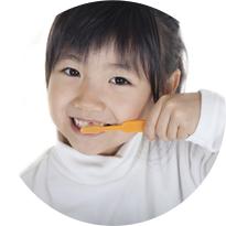 乳歯から永久歯に生え変わるタイミングで歯並びは良くなるのか?